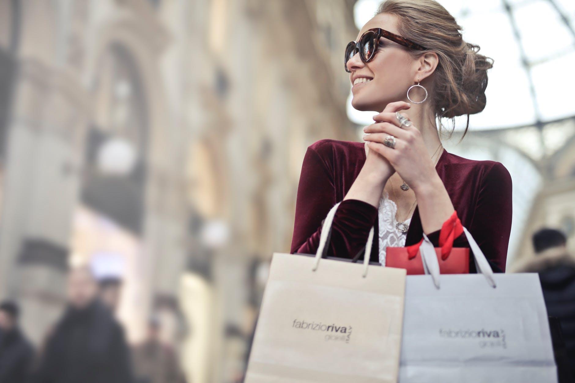 キャリアウーマンの服装の選び方とは。NYの女性に学ぶ大人の通勤