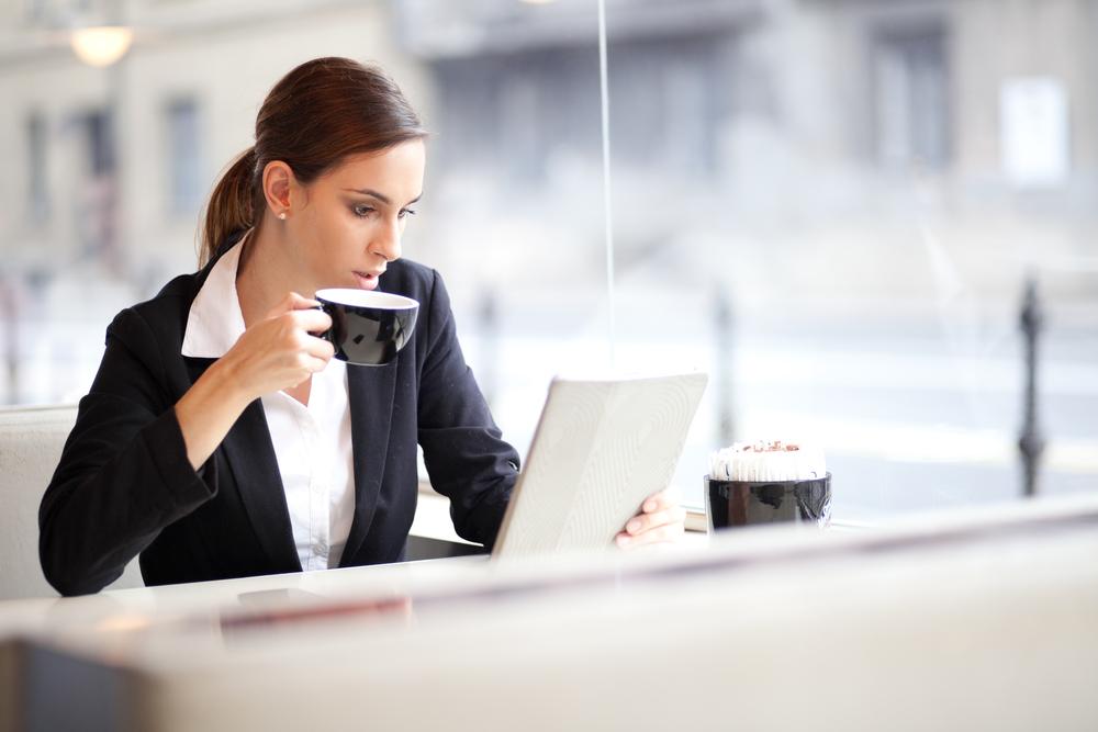 「女性 スーツ オフィス」の画像検索結果
