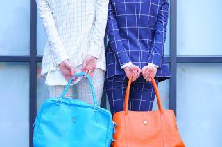 L/2P 二人後ろ姿 白格子&ブルー格子 BAG×2ブルー&オレンジ
